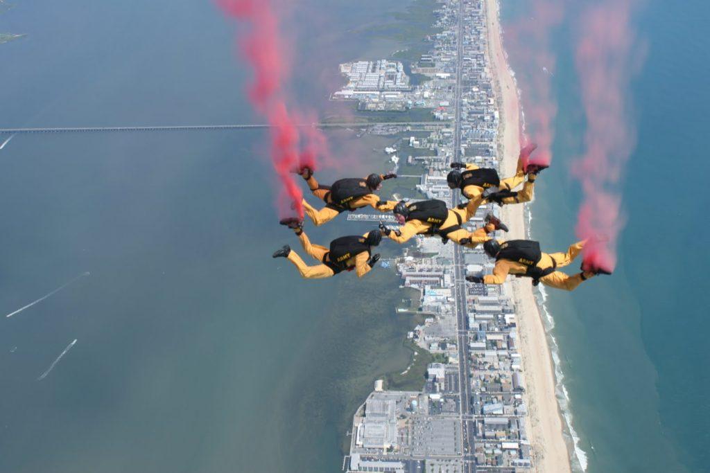 Golden Knights Parachuting